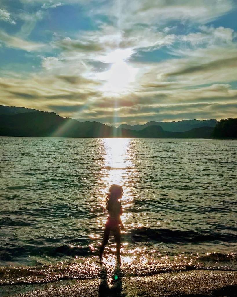 Mi pequeña musa . . . #argentina #respiraargentina #argentina360 #paisajes #neuquen #vla #turismovla #ig_arg #igers #travelgram #photography #photooftheday #picoftheday #paisajes_argentinos_ok #asi_es_argentina #naturephotography #travel #earth #earthpix…