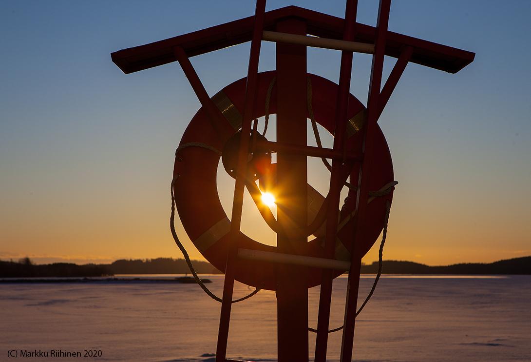 We'll survive!  #CoronaQuarantine  #HolyThursday   #Kuopio #Finland #Lake #Kallavesi  #sunshine #sun #nature #weather #winter #travel #photography #palmusunnuntai #auringonnousu #sää #spring #luonto #kevät #sunrise  #valokuvaus #corona
