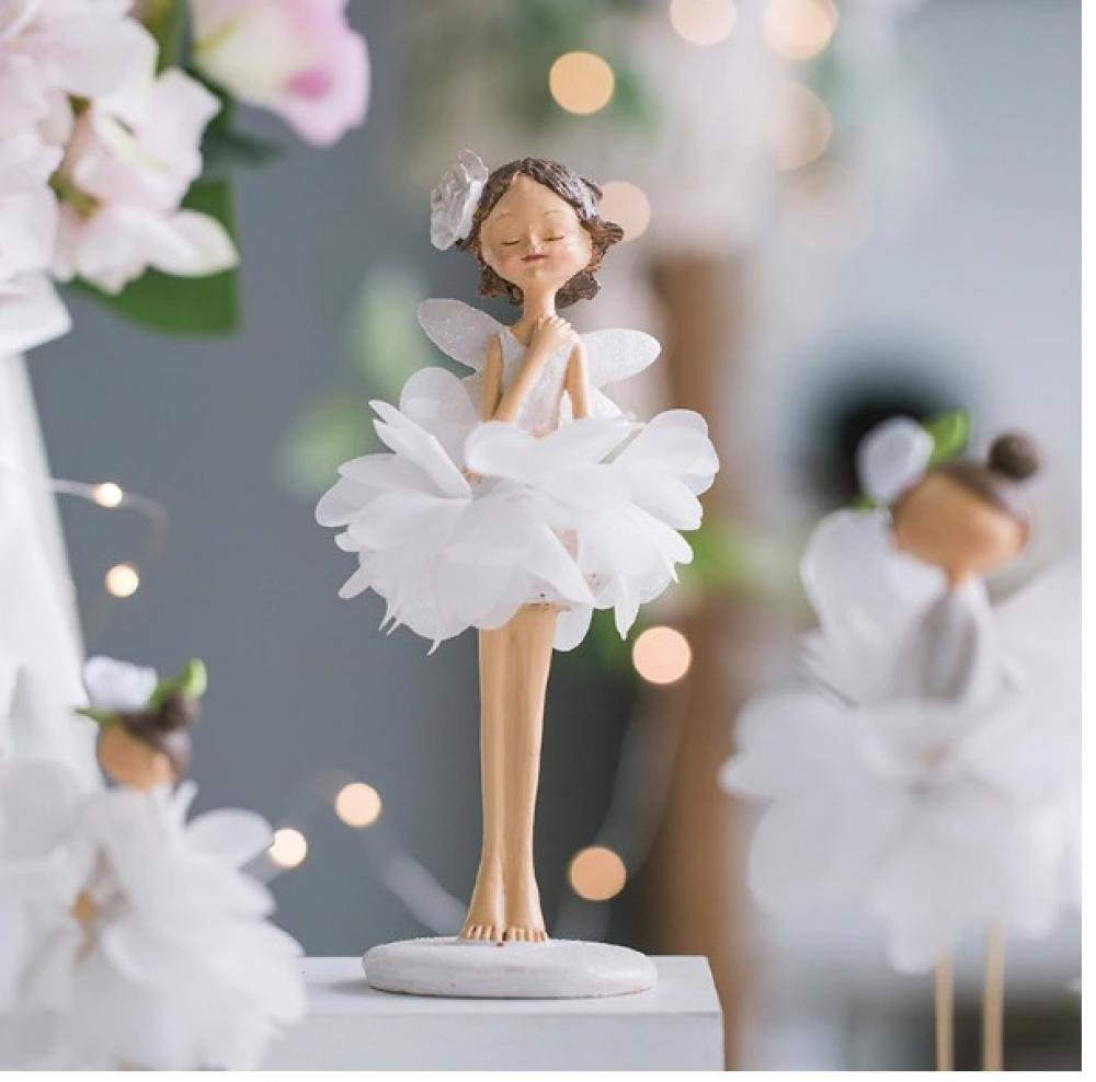 Little Fairy Decorative Figurine #igers #tagsforlikes https://prettyvintagestuff.com/little-fairy-decorative-figurine/…pic.twitter.com/y6UMjYI6f6