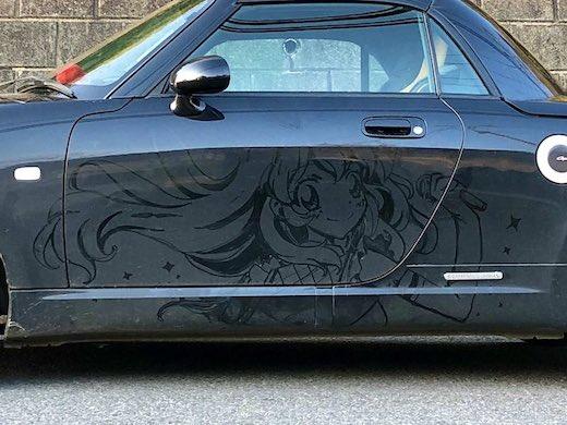 「アイカツ!」の星宮いちごちゃん!これを指で描いたって!? クルマの汚れを逆手に取った痛車がすごい 「才能の無駄遣い」「もう洗車できない」と好評  @itm_nlab