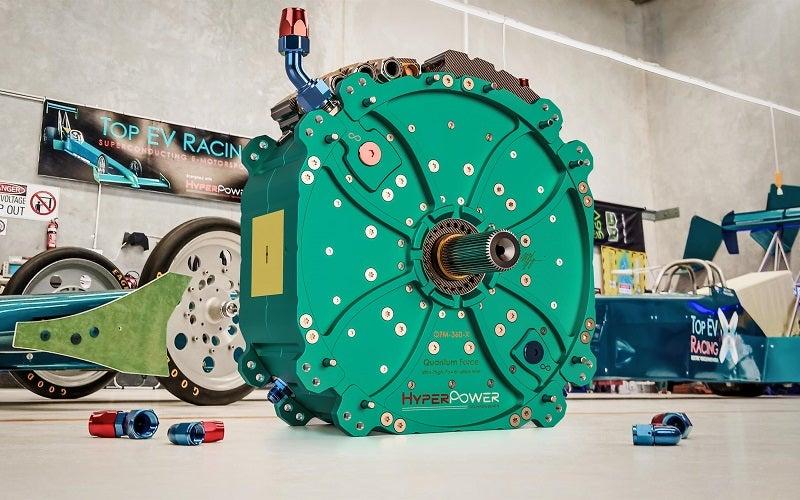 La empresa australiana HyperPower Technologies ha presentado su última creación: un motor eléctrico con la friolera de 1.360 CV de potencia con un tamaño de apenas 43 centímetros de diámetro. Se llama QFM-360-X, con las siglas de 'Quantum Force eMotor'. ¡¡¡Impresionante!!! pic.twitter.com/2mhu4nD6U9