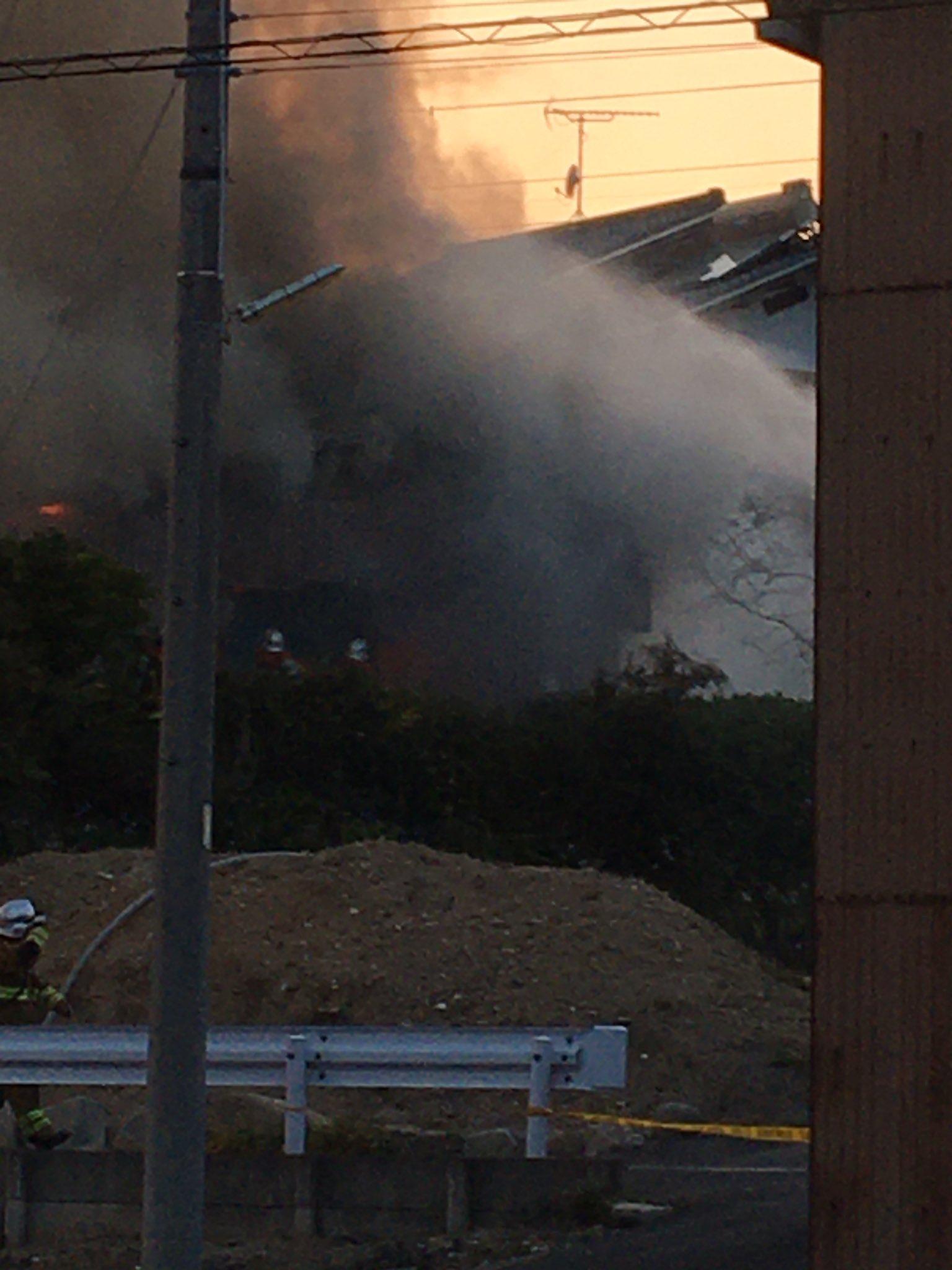 名古屋市緑区平手北2丁目の住宅で火災が起きている画像
