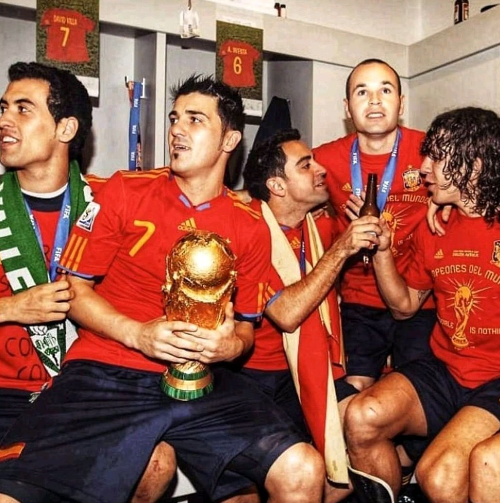 "Eric Cantona, ""In 2010 Barcelona won the World Cup, not Spain"" pic.twitter.com/VP579njdo5"