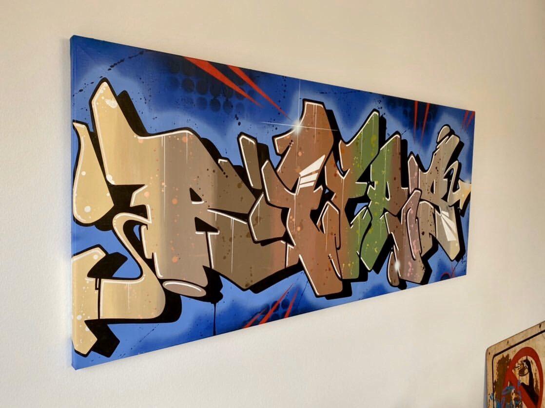Bates in your living room #livingroom #interiordesign #homedecor #design #home #decor #furniture #interior #homedesign #artwork #artcollector #canvas #bates #greatbatespic.twitter.com/9RbDI8otFc