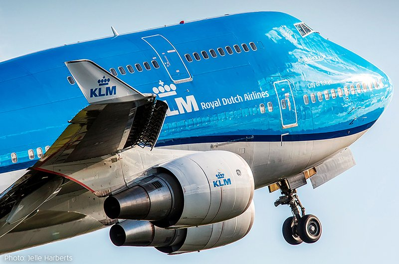 .@KLM and @Philips have joined forces to create a special airlift to transport essential medical products and supplies faster between the US, Europe and China Read more: https://t.co/L5M66gnbRQ #COVID19 @PhilipsHealth https://t.co/8plRv4asC9