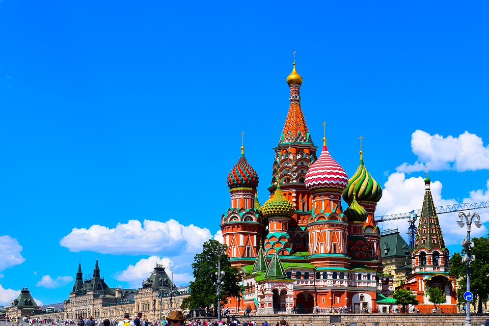 Palaces, monasteries, cathedrals, museums, parks, hills, towers, water bodies, galleries, shops – #Moscow never runs out of places to #travel  Visit: https://bit.ly/3aZt6ZQpic.twitter.com/iF14nVUibG