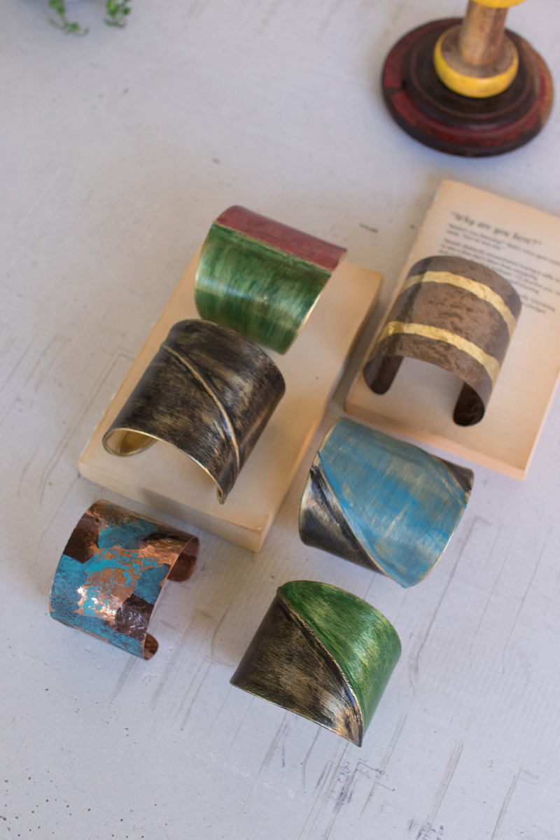 This set of 6 painted metal cuffs are just what you need to complete your next outfit!   #atwestend #jewelry #designdetails #homedesigns  #interior #instadecor #stayhome #staypositive #twitterfashion #jewelrypic.twitter.com/yA1HpJgTs8