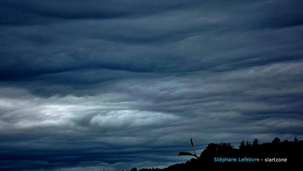 @Pho2oart @djmycofyth @TakaSamawa 😉 #sky #photography