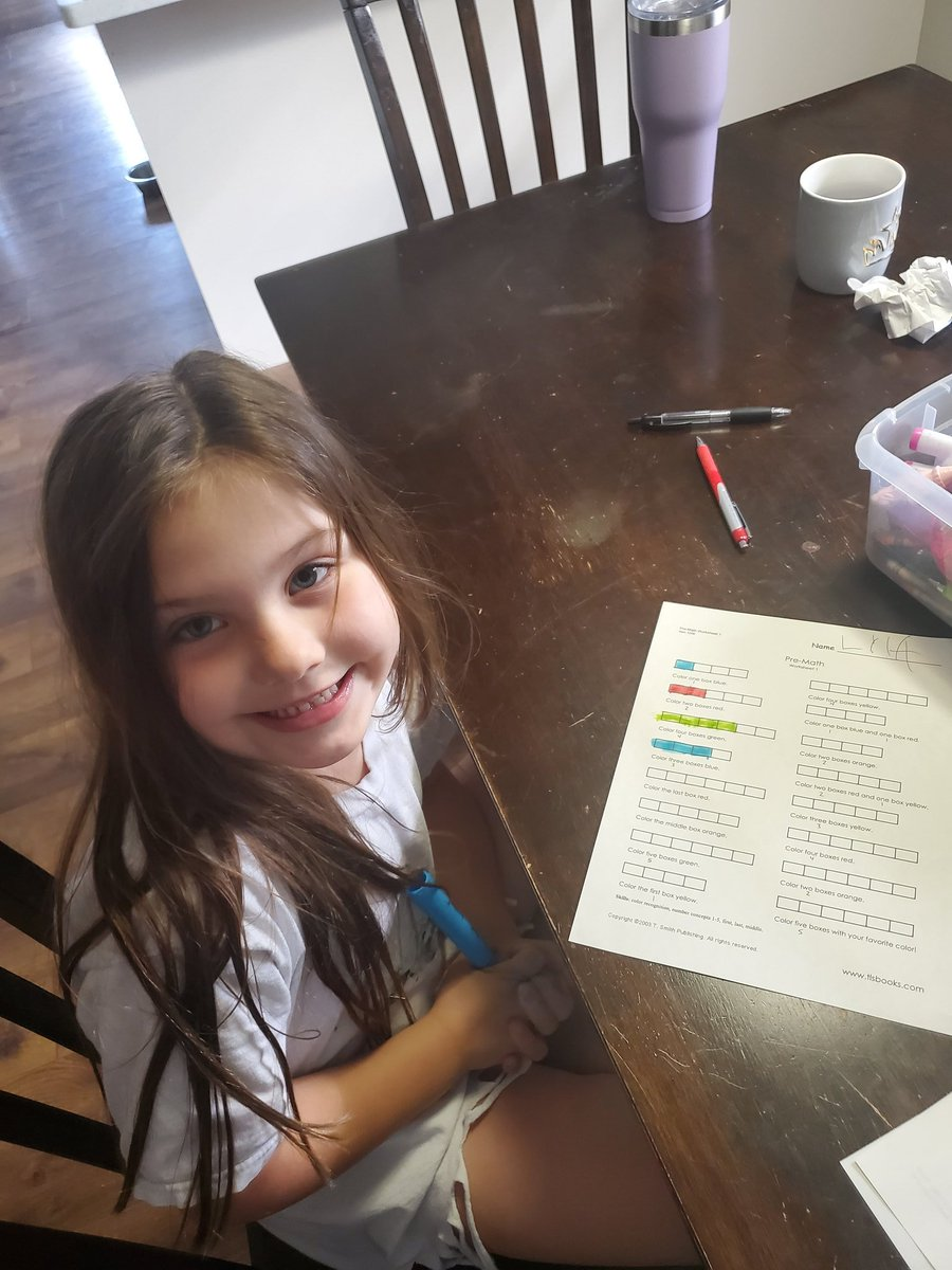 Working on a little math this morning with Lyla. #PEWAV #FFF #EXCELLENCEpic.twitter.com/tpMal3Stsv