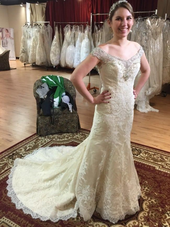 "View our #designs on our official website. Or we can even make #replicas of #hautecouture #weddingdresses based on any pictures you have as inspiration. GEt pricing and more info on made to order #custom #dresses when you contact us directly."" https://buff.ly/2VWapBP pic.twitter.com/TFI8KFvpVz"