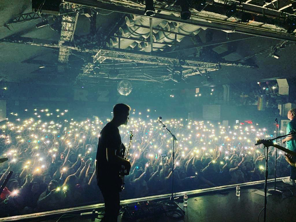 One month since we played in Barcelona. One of the best shows we've ever played hands down. You guys were incredible and made the opening night of the @Louis_Tomlinson tour proper special! Head to our bio and tell us to come back! We can't wait to play in Spain again  pic.twitter.com/AWQYGEnGTo