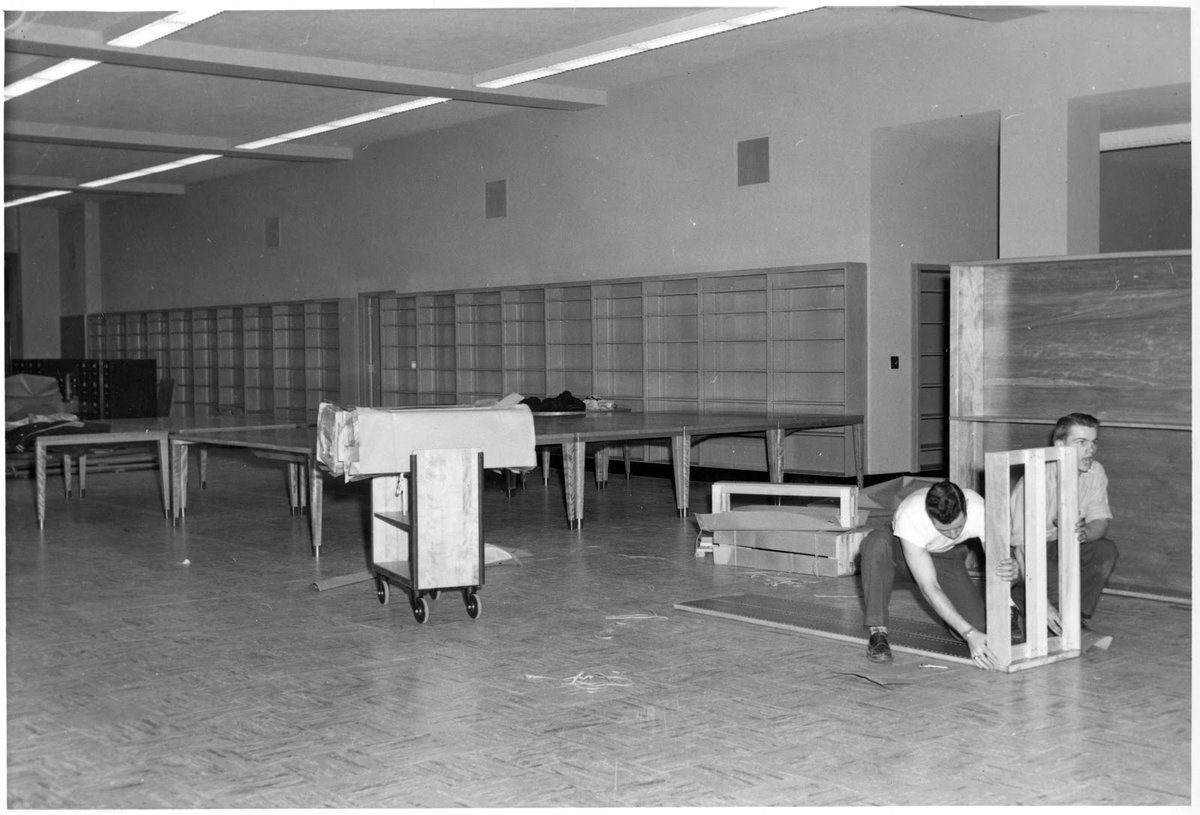 Great photos of #FraserLibrary coming online back in the day. Same library different look coming soon. #geneseo #MilneLibrary https://t.co/nuBD0w8MSE