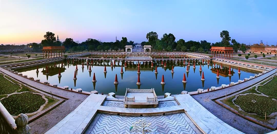 Quarantine Age !  Shalimar Garden 1642, Lahore, Pakistan. Follow us on Instagram:  #pakistan #lahore #shalamargarden #krwaleed #photography #landscape #travel #beauty #love #patriotism #landofheritage #history #beautifulpakistan #travelpakistan