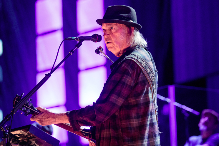 Neil Young released a new version of Shut It Down in response to the COVID-19 pandemic rol.st/2VejTGh