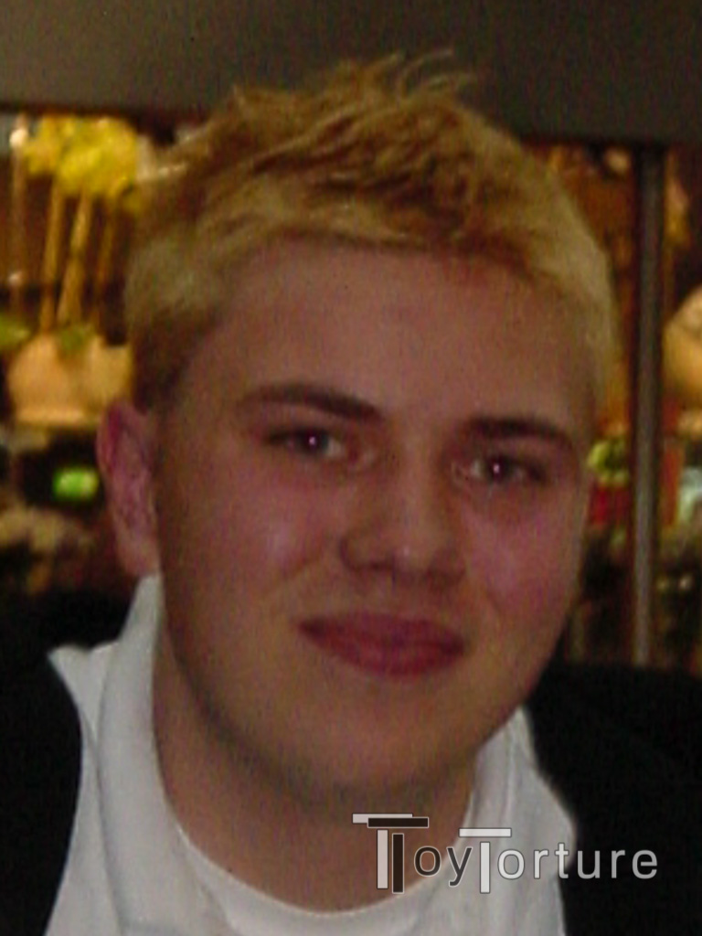 test Twitter Media - In yesterday's AMA somebody who wants to remain anonymous DMed me why during the lockdown I don't go blond - like a proper gay So, on #ThrowbackThursday, let me take you back to 2004, somewhere in the US' Midwest and let me tell you: Been there, done that, won't do it again 🙈🤣 https://t.co/A3Fn8avEWF