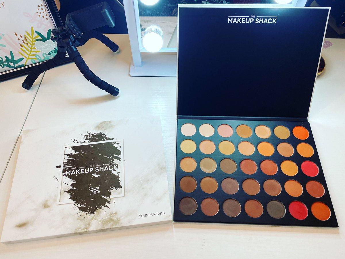 Makeup Shack Summer Nights Palette ..@themakeupshack  ..#themakeupshack #makeupaddict #summernightseyeshadowpalette #beautyenthusiast #beautyinfluencer #mua #muasupport #makeuphaul #sephorasquad #boxybaddies #beautylover #beautygram pic.twitter.com/csVlL0K1G8