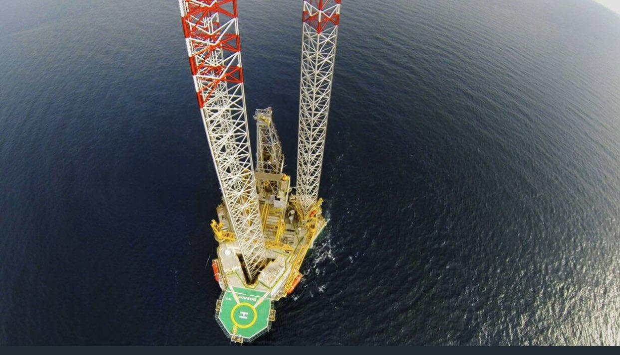 Rusia y Arabia Saudita reducen producción de petróleo en un acuerdo aún sin detallar