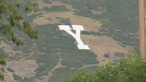 Huge slab serif Y on the mountainside above Brigham Young University (BYU) in Provo, Utah. The university is colloquially referred to as the Y. These kinds of hillside letters representing schools are common in Utah. #typography #byupic.twitter.com/JTHfrqHCyZ