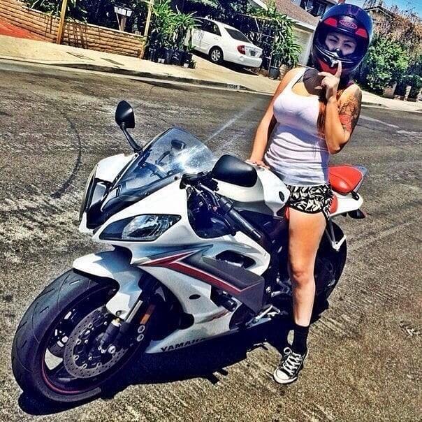 Yamaha R6 #BikerGirl