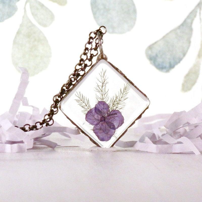 Hydrangea, fern, real flower necklace, terrarium jewelry, purple flower, boho style, romantic jewelry, memory pendant, keepsake jewelry  #bohochic #jewelryonetsy #terrarium #boho #handmadejewelry #handmade #woodland #BohoStyle