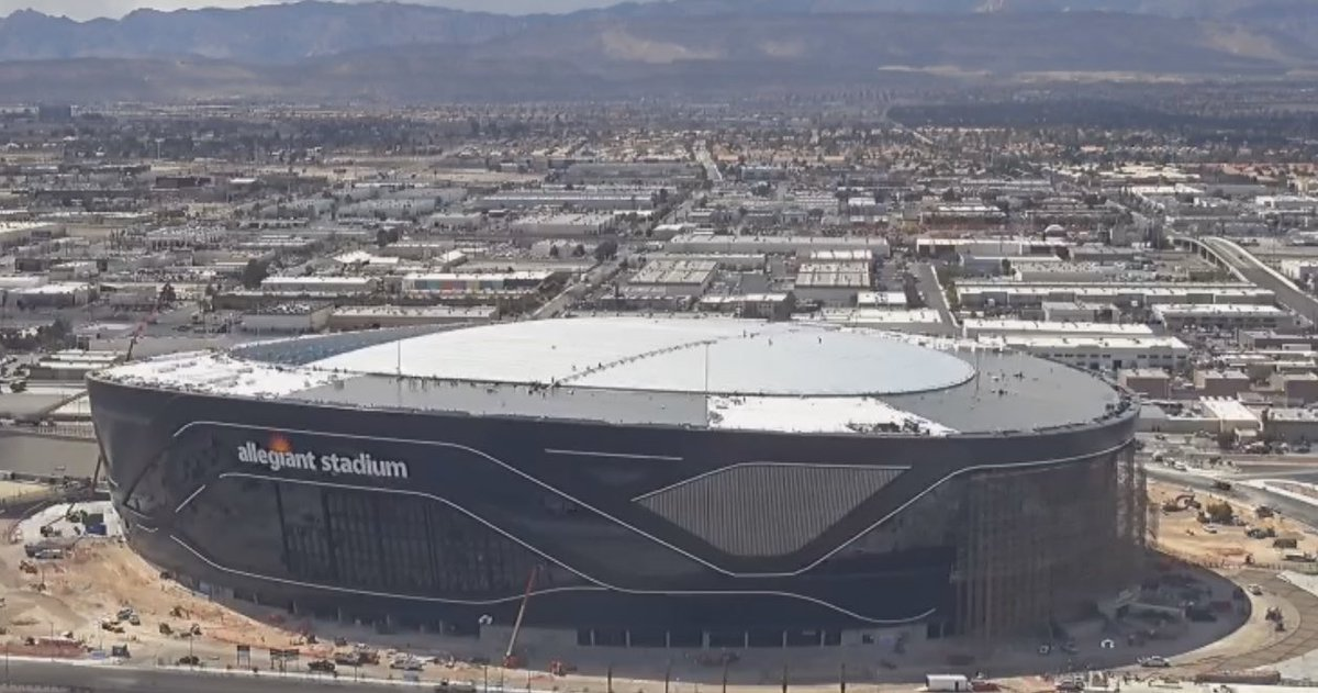 The ETFE roof installation on Allegiant Stadium is about 70% complete. With the south end portion left to go. Also, the framing for the massive mesh video screen about 75% complete. #vegas #raiders #stadiumpic.twitter.com/jZT6daBICL
