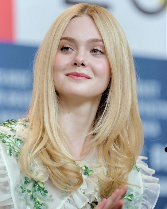 Happy birthday  Elle fanning  22 Years old  Lots of love