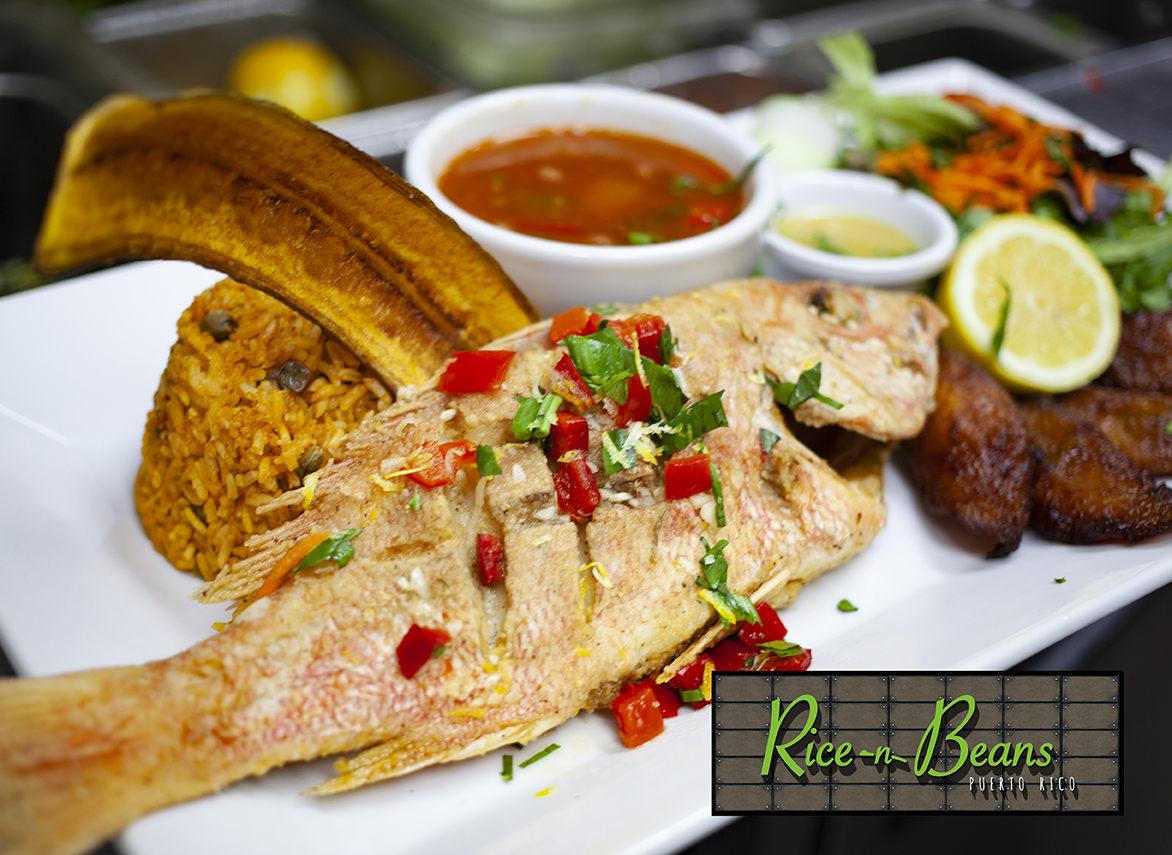 CHILLO FRITO ENTERO / PAN FRIED WHOLE RED SNAPPER Order NOW - 813-803-7974 #delivery #pickup #togo #ricenbeans