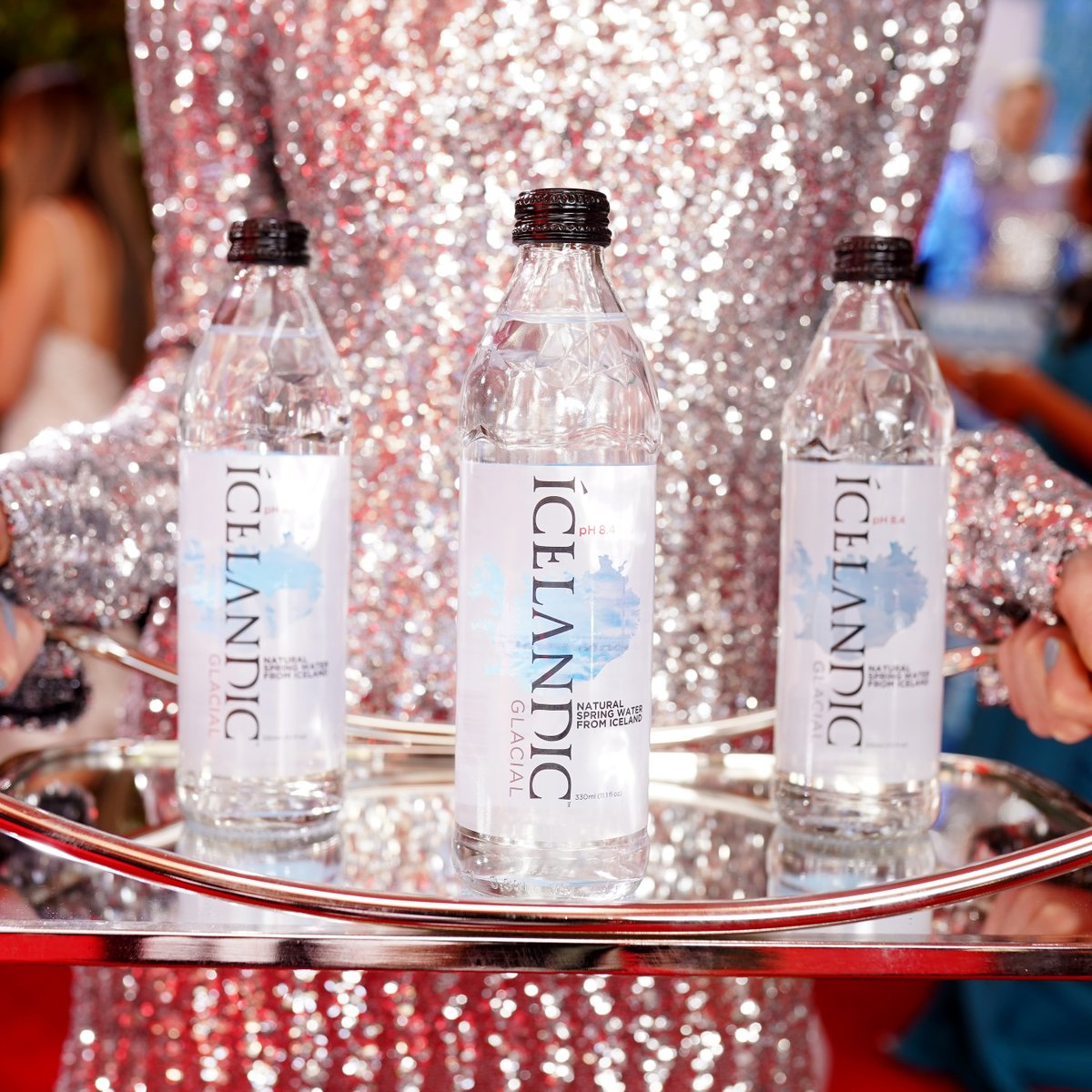 Are you going through your camera roll often lately? It's become a great escape from the #quarantine blues. Can't help but share this great #TBT serving sustainability, sequins, and the purest tasting water on the #GoldenGlobes red carpet. : @presleyannphoto / Getty Imagespic.twitter.com/tnP6nkLCla