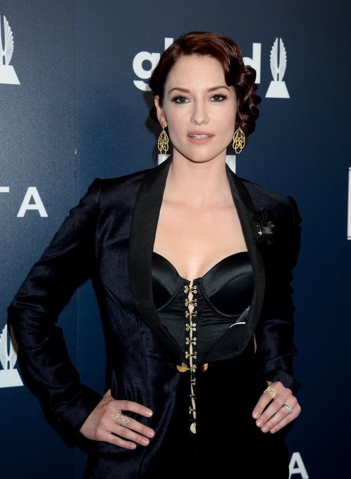 Happy birthday to Chyler Leigh, the hottest cast member of Supergirl , who is 38 today!