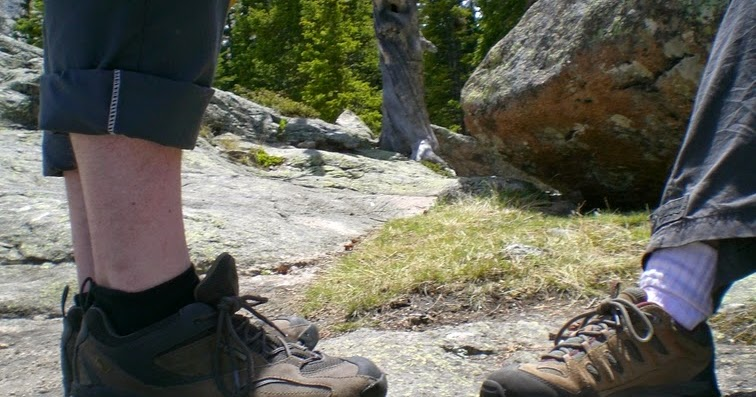 Fun game for hiking kids: Fancy Footwork   #hiking #camping #outfam  http://dld.bz/ferWe pic.twitter.com/O64t671BoV