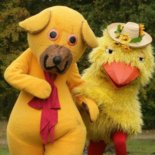 Dessa två hade fan stoppat viruset på en halvtimme. Glad påsk önskar bamse og kylling! pic.twitter.com/Io5AEvsy3e