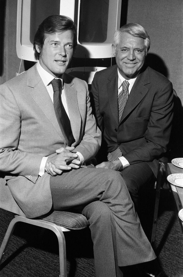 Time For A Film On Twitter That Time Cary Grant Met James Bond Jamesbond Carygrant Rogermoore Seanconnery