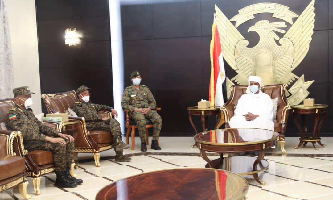 عبد الفتاح البرهان يلتقي وفدا عسكريا إثيوبيا برئاسة رئيس هيئة القوات المشتركة EVQ0t-dXQAM9dpS?format=jpg&name=medium