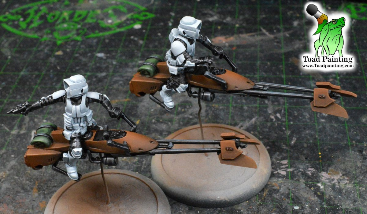 More WIP of my  #StarWarsLegion commission, 74-Z Speeder bikes. Air brush once again did most of the heavy lifting, spraying the white first then the brown on the bike.   #minipainting #miniaturepainting #StarWars   #Warmongers https://t.co/iZJw9KWRe3
