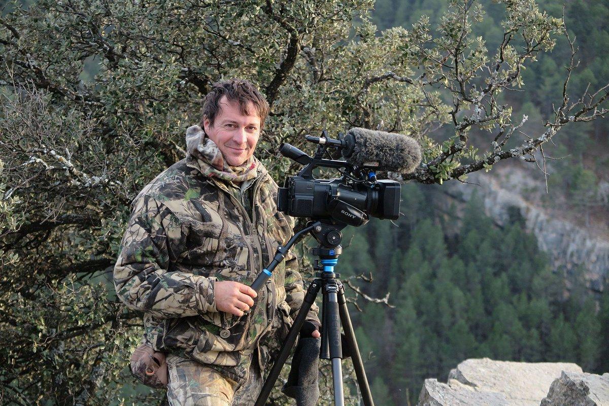 "2019 @vegaawards's #Winner's #SuccessStory  ""I love filming in real time, capturing the moment as it happens.""  ~ Emaneul Kapp, Moz Parks Initiative, #UA  Read More: https://t.co/A8OKa13jAG  #VEGA #VEGADIGITALAWARDS #digitalawards https://t.co/spA47DJseP"
