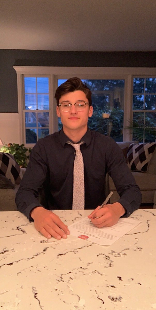 Congrats to #28 Jude Brower on signing a tender with @Boston_JrBruins. Really high ceiling. Big future ahead.