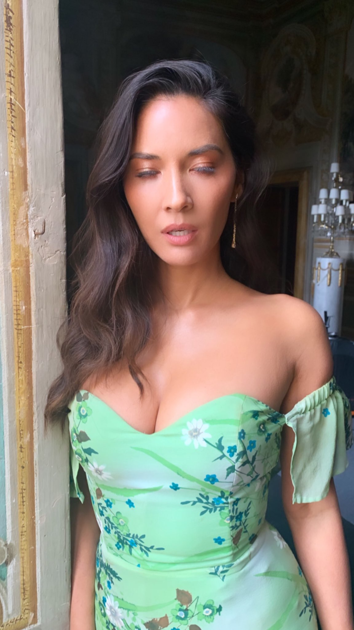 Olivia Munn On Twitter Glam Pic Italy Edition Still Not Nailing It Love Wedding Repeat On Netflix Today