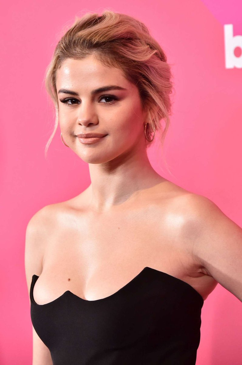 4K followers✅ Thank you all for following and engaging in my posts. I want to get to know my followers a little bit. Who is your celebrity crush? Mine is Selena Gomez😍 https://t.co/hIPu6WP51F