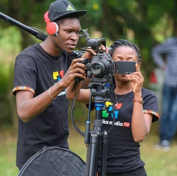 As a brand, here are three types of videos that you ought to invest in. Click the link for details  https://blog.malaikamedia.com/three-types-of-videos-every-brand-needs-to-invest-in/…  #TellingYourStory #Video #Brands #Ugandapic.twitter.com/HOdEBlG08R