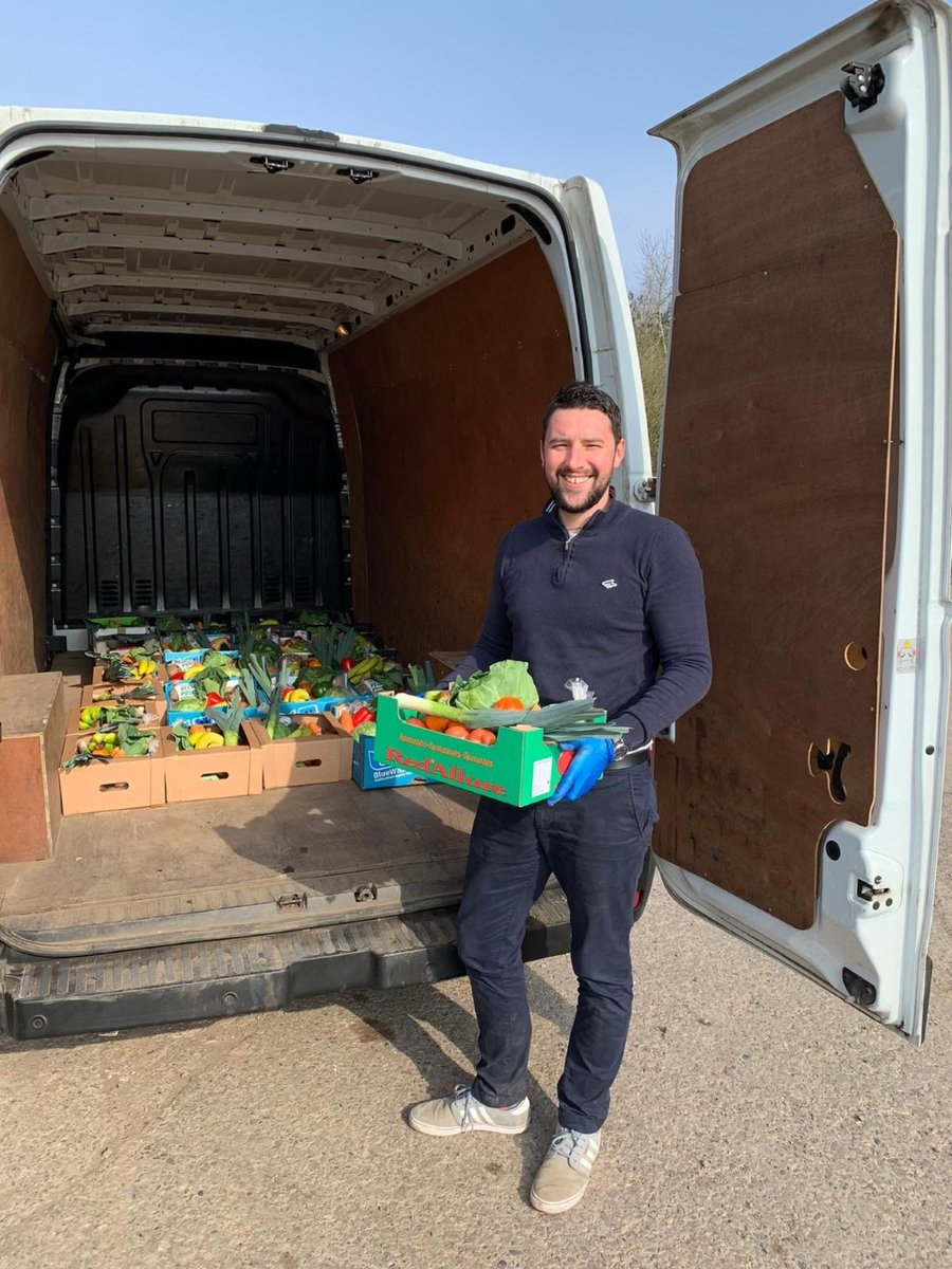 Our Sales Controller at Specialist Cars Volkswagen Kirkcaldy, Greg Montignani, has been busy volunteering. Greg has been helping out a local family run business, getting fresh produce out to customers who may be vulnerable. Well done to Greg and Benarty Fruits. https://t.co/vQQH93usz6