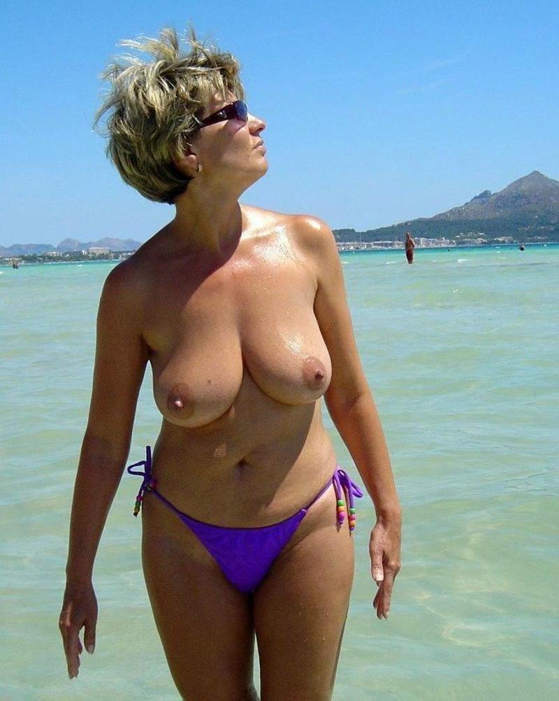 Mature women bikini photos