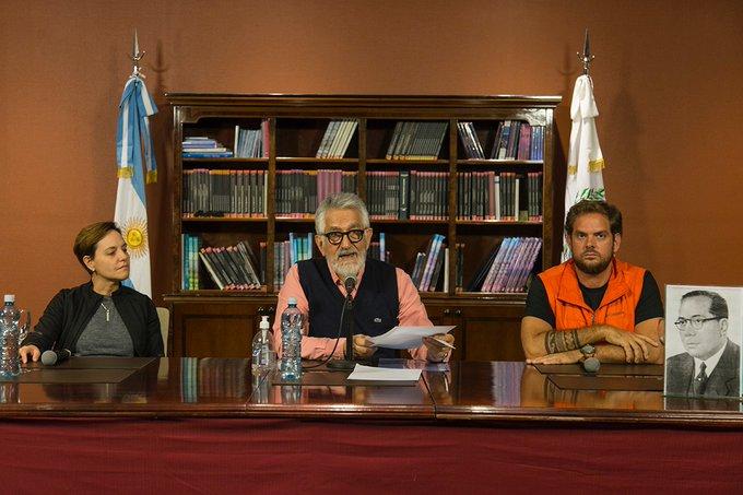 El gobernador Alberto Rodríguez Saá, junto al Comité de Crisis, durante el reporte diario del sábado 11 de abril.