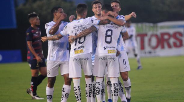 """Ecuagol on Twitter: """"LO ÚLTIMO ll Asesinan a un jugador de Guayaquil City  en frente de su casa https://t.co ..."""