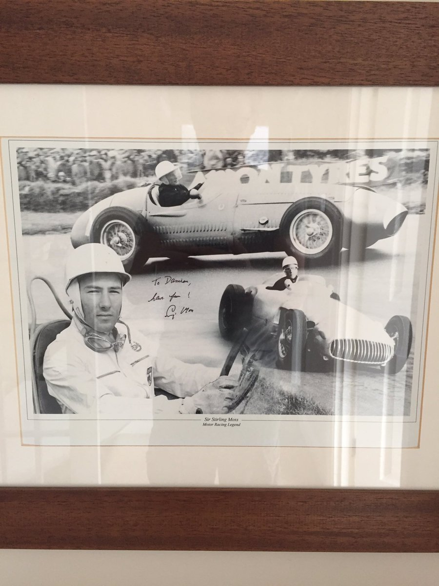 Sad to hear of the passing of #StirlingMoss - they say never meet your heroes, but he was an utter gent when I met him and he kindly signed this picture for me. #RIP https://t.co/e6VyYUkjDB