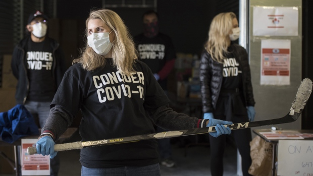 Hockey star Hayley Wickenheiser launches PPE drive in Toronto amid COVID-19 pandemic