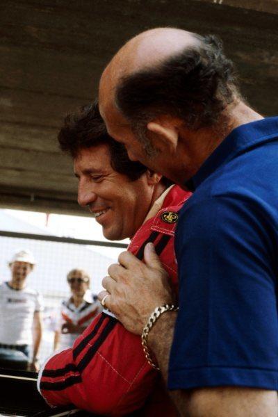 @MarioAndretti 😢🙏😢 #Legend https://t.co/gjJBlwRq1n