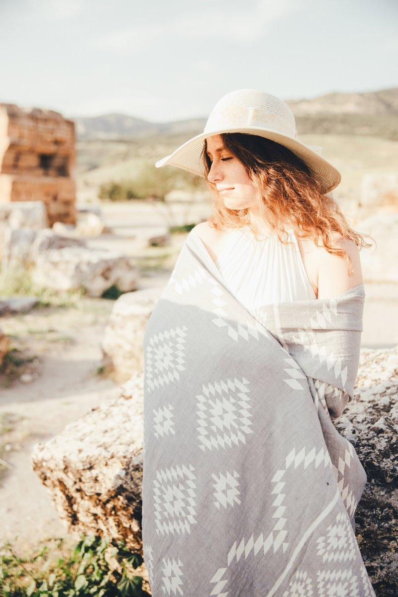 Use it everywhere everyseason ! #mebien #lightweight #throw #stole #scarf #wrap  #allseason  #multipurpose #giftforwomen #lighttowel #blanket #lightblanket #turkishtowel #beachtowel #amazongift #giftidea #beach2020 https://www.amazon.com/s?k=gifts+for+women&me=A3221V797JC5LR&ref=nb_sb_noss…pic.twitter.com/Cwtxi0DEnN