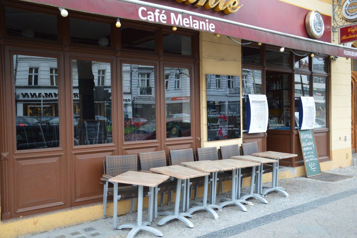 "Markku R. Peltonen on Twitter: ""Café Melanie - #CNNiReport #Berlin"
