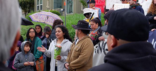 BORBA U DOBA KORONE: Pokret beskućnika  Beskućnici u Los Angelesu useljavaju u prazne stambene objekte u javnom vlasništvu. https://t.co/oDeXpZcQHS #beskucnici #losangeles #covid #koronavirus #zdravstvo #pokret #RiD https://t.co/rDMqmNl7yX