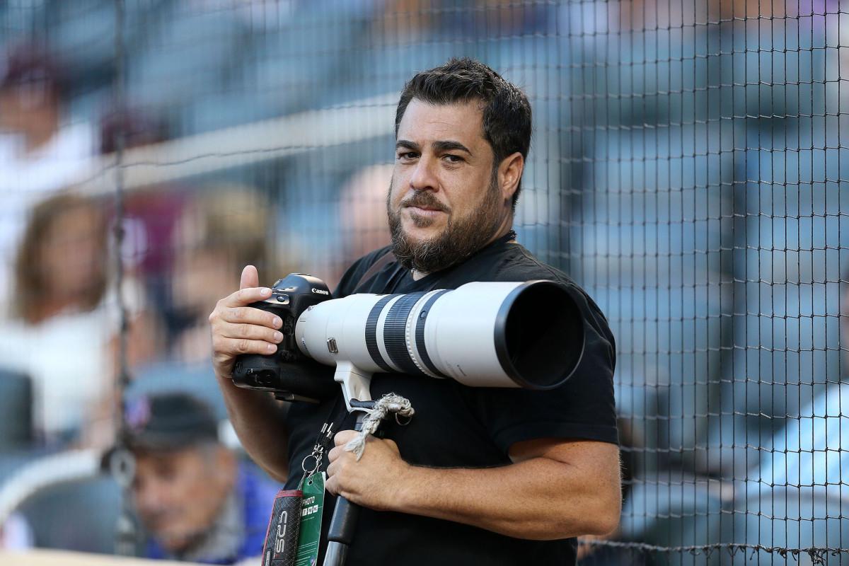 【野球】イチロー、松井秀喜らも撮影 NY紙の48歳敏腕カメラマンが新型コロナ感染で死去 (48)
